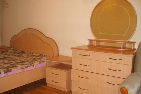 Сдается 2-комнатная квартира посуточно в Хабаровске, ул. Валочаевская  д. 177.