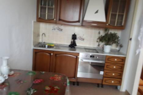 Сдается 1-комнатная квартира посуточно в Иркутске, ул. Байкальская, 244/3.