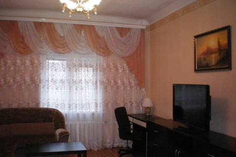 Сдается 2-комнатная квартира посуточно в Новосибирске, проспект Димитрова, 17.