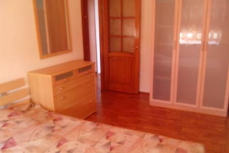 Сдается 3-комнатная квартира посуточнов Астрахани, БУЛЬВАР ПОБЕДЫ 1.