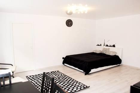 Сдается 2-комнатная квартира посуточно в Екатеринбурге, Московская ул., 49.