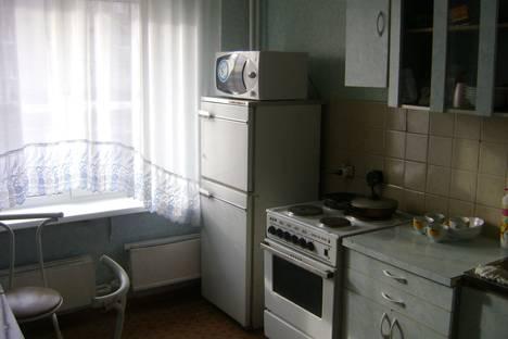 Сдается 2-комнатная квартира посуточнов Назарове, 8 микрорайон ,д.10.
