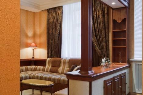 Сдается 4-комнатная квартира посуточно в Челябинске, ул. Коммуны, 139.