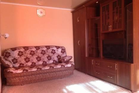 Сдается 2-комнатная квартира посуточно в Кургане, Кирова, 119.