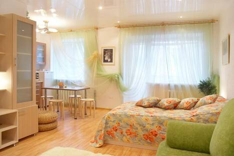 Сдается 1-комнатная квартира посуточнов Воронеже, ул. Кольцовская, 27.