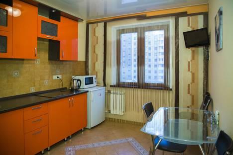 Сдается 1-комнатная квартира посуточно в Красноярске, ул. 78 Добровольческой Бригады, 4-2.