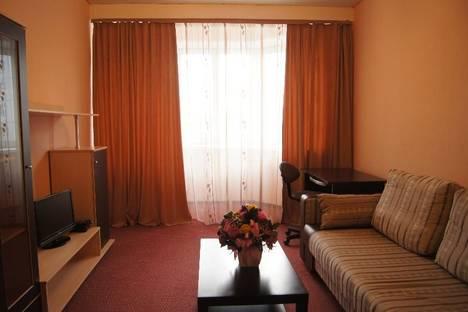 Сдается 3-комнатная квартира посуточно в Тобольске, 10 микрорайон, дом 71 А.