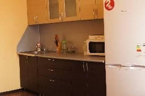 Сдается 2-комнатная квартира посуточно в Тобольске, 10 микрорайон, дом 71А.
