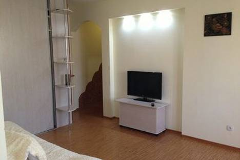 Сдается 2-комнатная квартира посуточнов Южно-Сахалинске, Коммунистический проспект, 13.