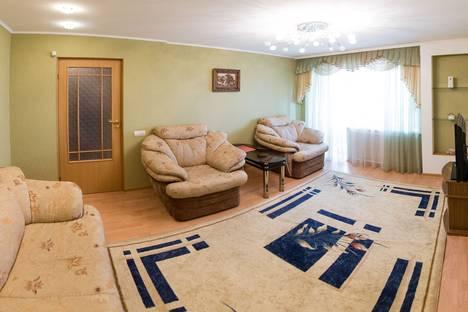 Сдается 2-комнатная квартира посуточнов Кургане, Максима Горького 157.