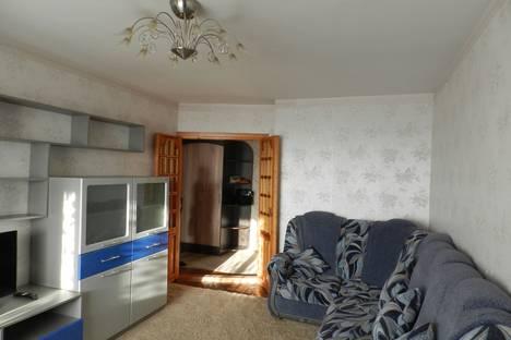 Сдается 2-комнатная квартира посуточнов Барнауле, Красноармейский проспект, 81.