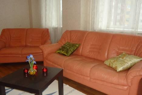 Сдается 2-комнатная квартира посуточно в Орле, ул. Октябрьская, 79.