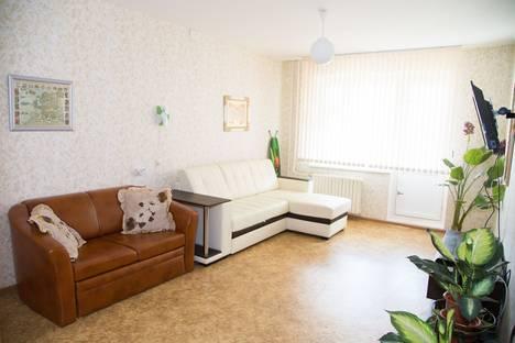Сдается 2-комнатная квартира посуточно в Иванове, ул. Парижской Коммуны, 48.