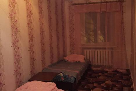 Сдается 2-комнатная квартира посуточно в Новочеркасске, спуск Ермака, 34.