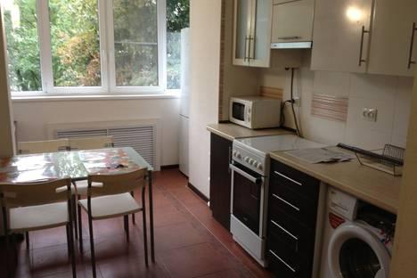 Сдается 1-комнатная квартира посуточно в Новочеркасске, ул.Комитетская 45.