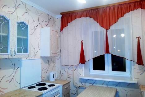 Сдается 1-комнатная квартира посуточно в Тобольске, 3Б микрорайон, дом 21А.