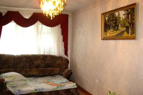 Сдается 2-комнатная квартира посуточнов Вольске, ул. Факел Социализма, 1.