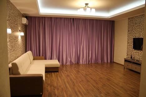 Сдается 2-комнатная квартира посуточнов Казани, Меридианная 2.