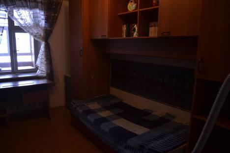 Сдается 3-комнатная квартира посуточнов Оренбурге, проспект Гагарина,33.3.