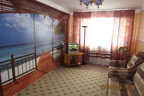 Сдается 3-комнатная квартира посуточно в Белокурихе, ул. Братьев Ждановых, 9.