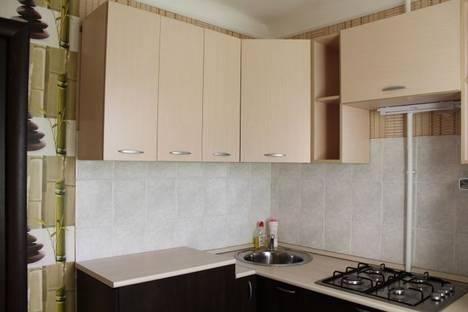 Сдается 2-комнатная квартира посуточнов Омске, бульвар Победы, 2.