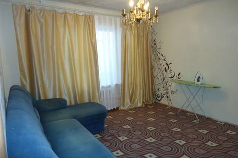 Сдается 3-комнатная квартира посуточно, Зеленый мкр., 19.
