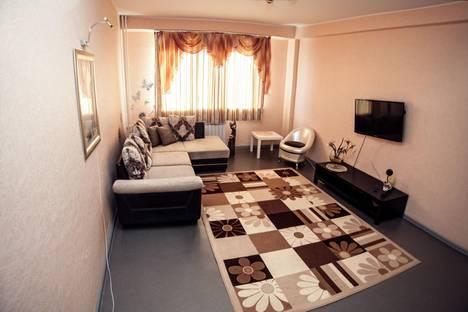 Сдается 2-комнатная квартира посуточно в Южно-Сахалинске, ул. Есенина, 4.