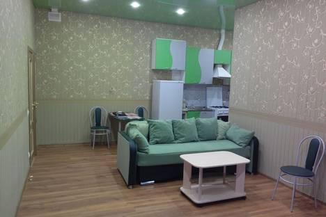 Сдается 3-комнатная квартира посуточнов Санкт-Петербурге, 7-Советская 35.