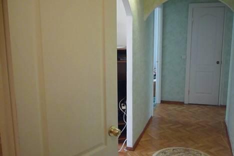 Сдается 3-комнатная квартира посуточно в Березниках, ул. Парижской Коммуны, 54.