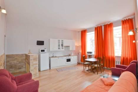 Сдается 2-комнатная квартира посуточнов Санкт-Петербурге, Владимирский проспект, 11.