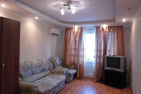 Сдается 3-комнатная квартира посуточнов Казани, Карима Тинчурина, 1 а.
