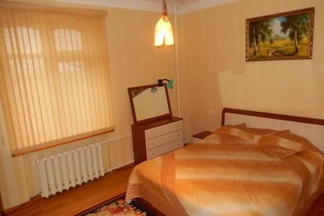 Сдается 2-комнатная квартира посуточно в Астрахани, Площадь Ленина 4.