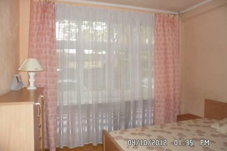 Сдается 3-комнатная квартира посуточно, ул. Советская, д. 65А.