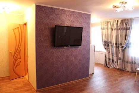 Сдается 2-комнатная квартира посуточно в Междуреченске, ул. Ермака, 2.