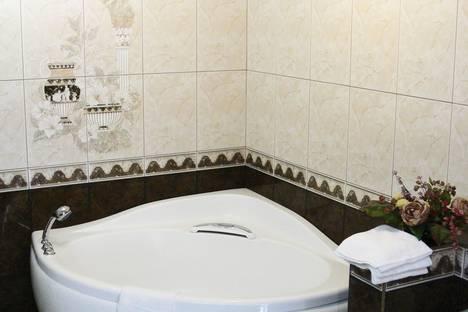 Сдается 3-комнатная квартира посуточно, ул. Попова, 98.