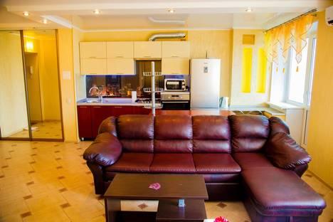 Сдается 1-комнатная квартира посуточно в Брянске, ул. Евдокимова, 8.