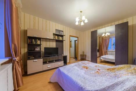 Сдается 1-комнатная квартира посуточнов Кирове, Орловская, 4.