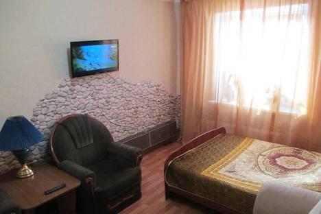 Сдается 2-комнатная квартира посуточно в Нижнекамске, Строителей, 52.