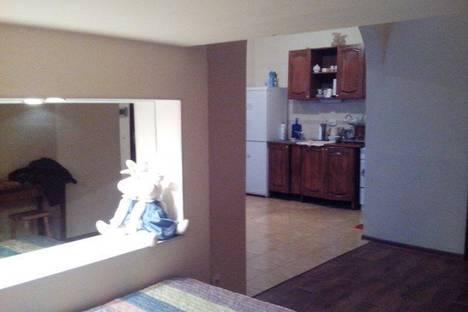Сдается 2-комнатная квартира посуточно в Якутске, ул. Пояркова, 19.