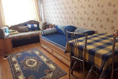 Сдается 2-комнатная квартира посуточно, ул ленинградская 1.