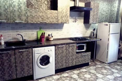Сдается 3-комнатная квартира посуточно в Энгельсе, Степная 57.
