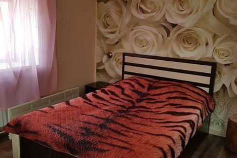 Сдается 1-комнатная квартира посуточно, Байкальская 168а.