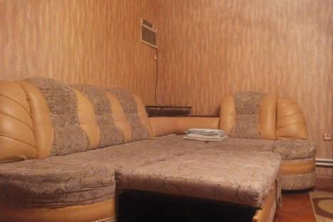 Сдается 2-комнатная квартира посуточнов Армавире, Дзержинского 86.