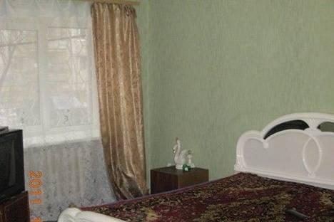 Сдается 2-комнатная квартира посуточно в Перми, ул. Дружбы, 4.