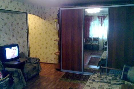 Сдается 1-комнатная квартира посуточнов Архангельске, Набережная Северной Двины 6.