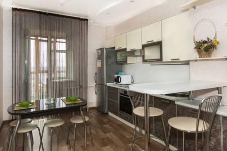 Сдается 1-комнатная квартира посуточно в Казани, Адоратского 1а.