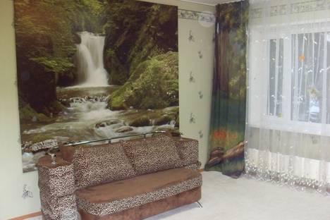 Сдается 2-комнатная квартира посуточно в Сургуте, проспект Мира, 17.