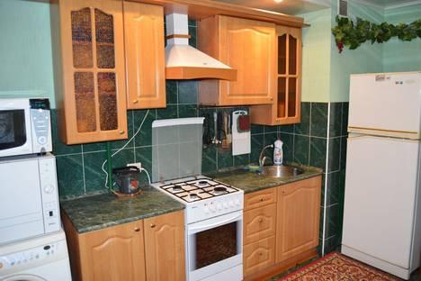 Сдается 3-комнатная квартира посуточнов Вольске, ул. Факел Социализма, 2а.