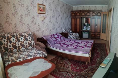 Сдается 1-комнатная квартира посуточно в Томске, ул. Ивана Черных, 5.