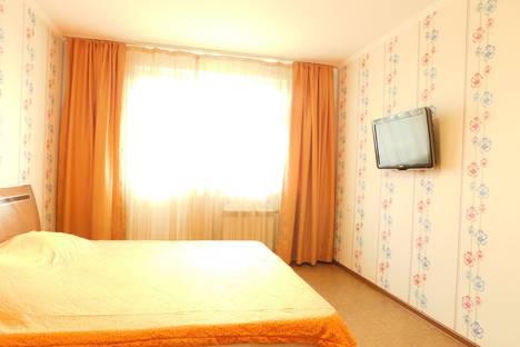 Сдается 1-комнатная квартира посуточно в Нижневартовске, улица 60 Лет Октября, 4.